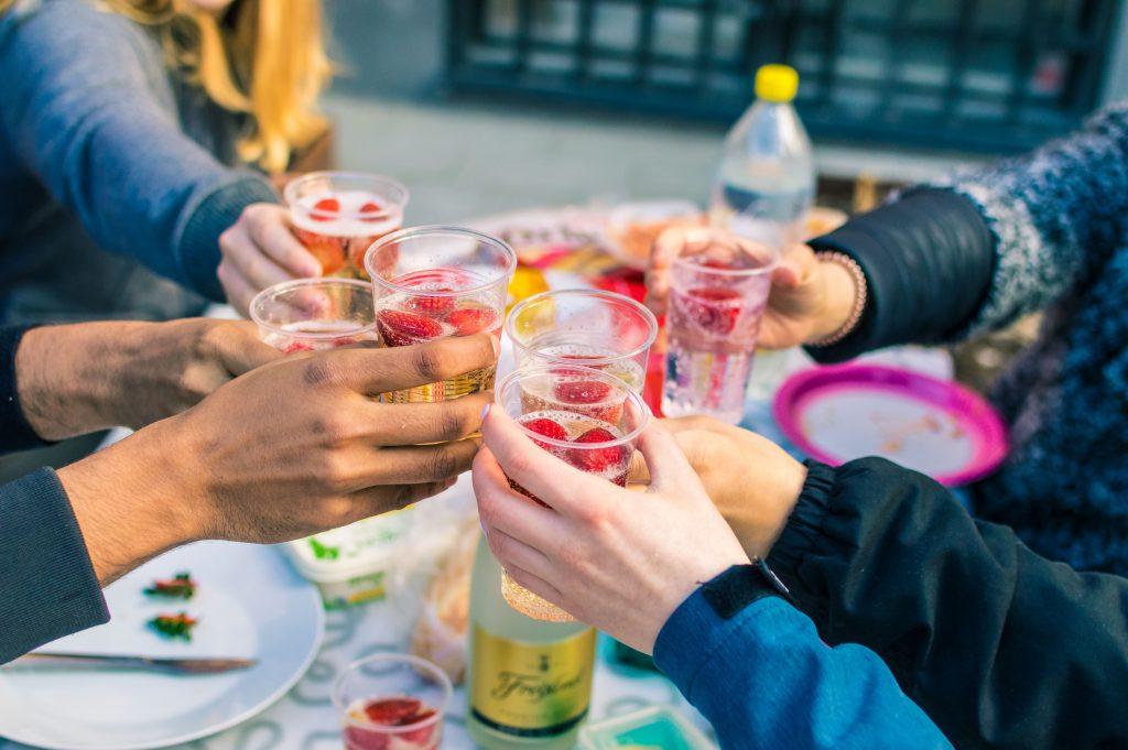 boisson alcoolisée groupe amis