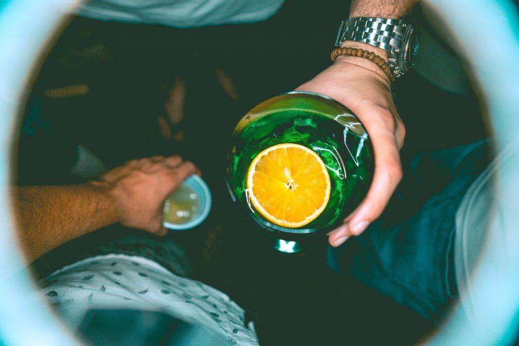 boisson alcoolisée seltzer amis